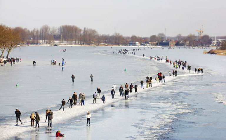 Ice-skating-in-the-Netherlands
