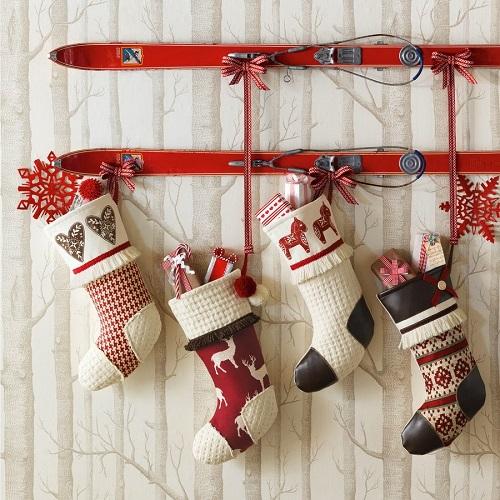 Vintage Skis With Stocking Nice Christmas Decorating Ideas